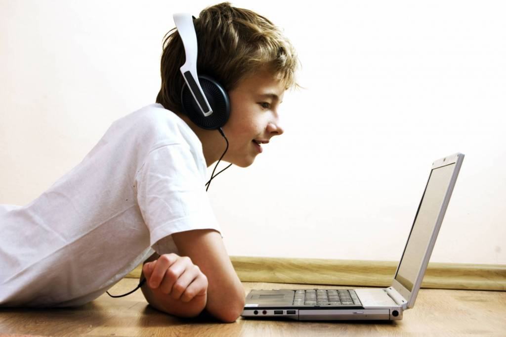 online chat, any good, risk,concerns,parents